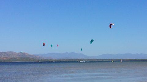 Punta trettu kitesurf lezioni con i kite in volo